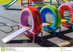 Parques Infantis feitos com pneus velhos. Várias ideias em http://www.recycled-things.com/kids-loving/kids-playground-made-from-recycled-tires/ Recycled Playground Made from Old Tires
