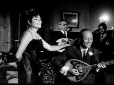 """ΧΡΗΣΤΑΚΗΣ - Είναι το κρύο τσουχτερό.  Εμφανίστηκε σε αρκετές ταινίες του Ελληνικού Κινηματογράφου, μετά το 1967. Εδώ, με τον Κ. Χατζηχρήστο, στην ταινία του Ερρίκου Θαλασσινού, """"Ο Τυχεράκιας"""" (1968).    Άφησε εποχή στα χρόνια της δικτατορίας για το ερμηνευτικό του ταμπεραμέντο και τις φιγούρες του στην πίστα. Αποκλήθηκε ...«Τζόνι Χάλιντεϊ» της Ελλάδας. Ο Χρήστος Σύρπος, όπως ήταν το π..."""