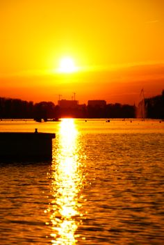 Zachód nad Maltą Malta, Places To Visit, Celestial, Sunset, Outdoor, Outdoors, Malt Beer, Sunsets, Outdoor Games