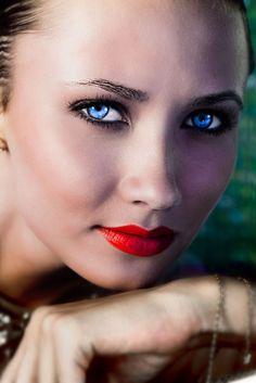 Model test with Daria Dvurechenskaya / Pommier Models by Maria Lankina, via Behance www.iconicfoto.com