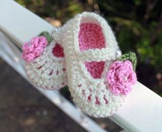 Baby Booties Crochet Mary Jane in Cream and Pink
