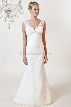 Zeitloses ärmellos bodenlanges Brautkleid mit V-Ausschnitt