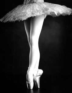 en pointe...wish I would have never given it up, so beautiful