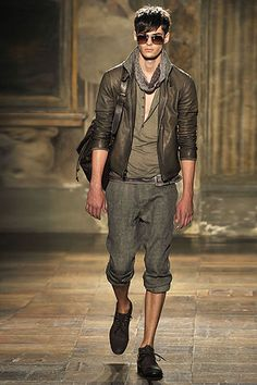 dat layering. Varvatos i love you.
