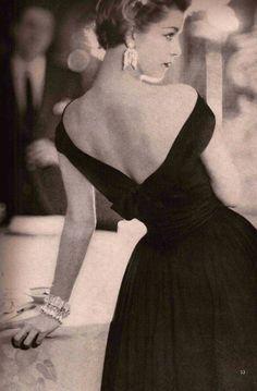 Vogue 1954
