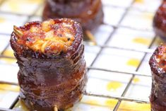 Smoked Pig Shots: Big Cheddar and Onion Rub Recipes, Grilling Recipes, Pork Recipes, Pig Shot, Smoker Cooking, Smoking Recipes, Smoked Bacon, Smoked Brisket, Smoking Meat
