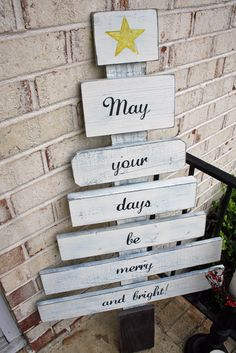 Christmas Tree: great for out in the yard and easy to make - Awe I like this...I wish someone would make me one.