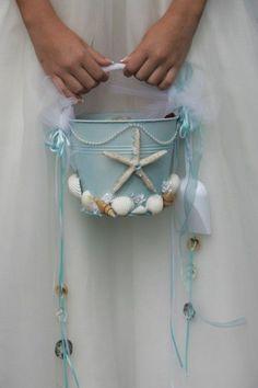 Fashionable Beach Wedding Inspiration / http://www.deerpearlflowers.com/rustic-buckets-tubs-wedding-ideas/2/