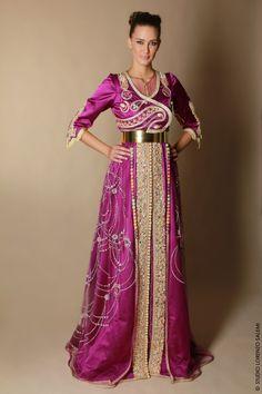 """Belles et prestigieux caftans marocains pour les designers marocains, et les nouveaux modèles de l'année """"2017"""" des couleurs merveilleuses et une variété de tissus, brodés de pierres précieuses. Et pour vous, nous vous avons apporté les meilleurs designs pour 2017 New caftan dernière mode marocaine en 2017 de nombreux modèles, traditionnelle ou moderne renouvelé chaque semaine. Des nouveaux modèles vous permet de garder une trace de l'évolution de la mode arabe et marocaine «Caftan » à…"""