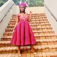 SHWESHWE TRADITIONAL DRESSES FOR 2020 NEW YEAR - Pretty 4 Shweshwe Dresses, African Traditional Dresses, Bridesmaid Dresses, Pretty, How To Wear, Vintage, Style, Fashion, Bridesmade Dresses