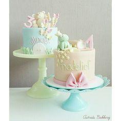 robijntje bear & princess cakes for sisters Vlinder & Madelief #astridsbakkerij #vlaardingen #schiedam #rotterdam #rijnmond #handgemaakt #handmade #birthday #birthdaycake #verjaardag #verjaardagstaart #kindertaart #marsepein #cake #customcake #princess #princesscake #prinses #prinsessentaart #robijntje #taart #vlinder #butterfly #girl #sprookje #stars #pastels