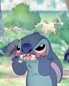Find images and videos about disney, stitch and stich on We Heart It - the app to get lost in what you love. Cartoon Icons, Cartoon Memes, Disney Kunst, Disney Art, Disney Cartoons, Disney Films, Funny Disney, Disney Stich, Cute Stitch