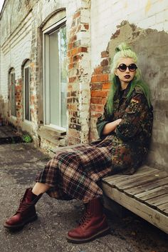 Fashion punk grunge hipster ideas for 2019 Grunge Outfits, Grunge Boots, 90s Fashion Grunge, Outfits Casual, Hip Hop Outfits, Punk Outfits, Casual Boots, Fashion Male, Fashion Guys