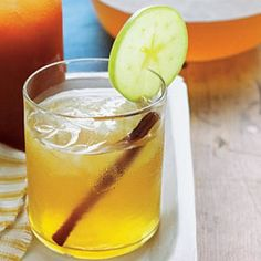 21 Southern Bourbon Cocktails: Apple Pie-Bourbon Sweet Tea