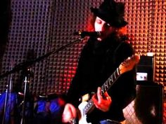 i Valium - II Tempo (Willy e la Teoria della Cospirazione) 2008 - YouTube http://www.valium.it