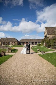 Hannah & Jason marry at the Great Tythe Barn, Tetbury... | Nikki Kirk Photography