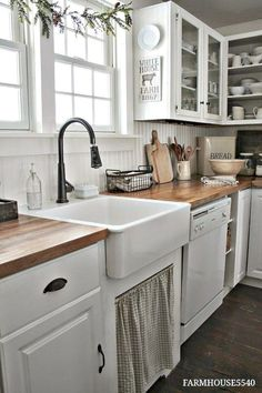 Awesome Rustic Farmhouse Kitchen Cabinets Décor Ideas Of Your Dreams (66)
