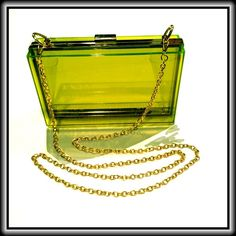 GORGEOUS GREEN CLUTCH / CROSSBODY ❇️ HP ✨NWOT✨ ❇️Classy, yet adorable & fun, this clear green clutch has a removable  chain!❇️ Bags