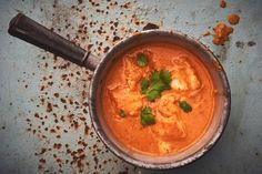 Pesce al curry Thai Curry, Ethnic Recipes, Food, Afrikaans, Indian Recipes, Curry Recipes, Kid Cooking, Soups And Stews, Good To Know