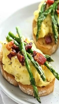 Scrambled Egg and Roasted Asparagus Toasts
