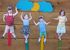 your kids as movable craft stick puppets! Cool!