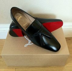 Christian Louboutin Alfred Flats Mens New Years Eve Outfit Christian Louboutin Red Bottoms, Cheap Christian Louboutin, Louboutin Shoes Mens, Me Too Shoes, Men's Shoes, Dress Shoes, Shoes Style, Red Bottom Shoes, Mens Fashion Shoes