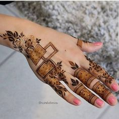 best mehndi design simple and easy step by step are available here. You can save the beautiful mehndi designs, latest mehndi designs. Indian Henna Designs, Finger Henna Designs, Mehndi Designs 2018, Wedding Mehndi Designs, Unique Mehndi Designs, Mehndi Designs For Fingers, Beautiful Mehndi Design, Henna Tattoo Designs, Legs Mehndi Design