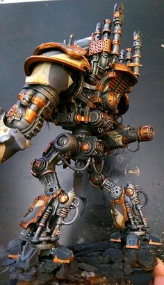 Knight of Iron - Must See Chaos Titan Conversion - Spikey Bits Warhammer Armies, 40k Armies, Warhammer 40k Figures, Warhammer 40k Miniatures, Warhammer 40000, Space Marine Dreadnought, Chaos Legion, Knight Models, Sci Fi Miniatures