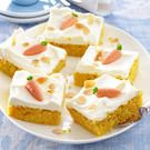 Saftiger Karottenkuchen mit cremigem Frischkäse-Topping: Damit liegen Sie immer… Juicy carrot cake with creamy cream cheese topping: You are always in the right place! We show step by step how the basic recipe succeeds. Fall Desserts, No Bake Desserts, Dessert Recipes, Food Cakes, Delicious Cake Recipes, Yummy Cakes, Baking Recipes, Cookie Recipes, Cream Cheese Topping