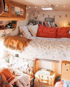 19 Converted Van And Bus Homes To Make You Jealous – InspireMore Bus Living, Living On The Road, Tiny House Living, Cozy House, Bus Home Conversion, Van Conversion Interior, School Bus Tiny House, Tiny Mobile House, Converted Vans