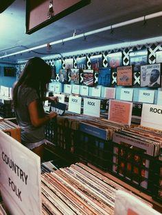 Magasin de vinyls sur le Boulevard St-Marc.