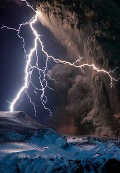 Full Circle - Light/Fire/Storm/Shadow/Ice (Volcanic Electric Storm, Iceland)