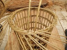 The final stage of bordering down the basket. Waste Paper, Paper Basket, Basket Weaving, Wicker Baskets, Craftsman, Stage, Handmade, Artisan, Hand Made