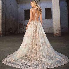 @galialahav Everything you need for a #royal #wedding ✨