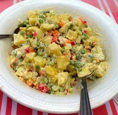 Ensalada rusa, estilo chileno.Una ensalada que no puede faltar en los asaditos.