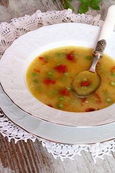 На этой кухне многие ели. Некоторые до сих пор живы - Картофельный суп с молодым горохом и вялеными томатами