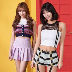 Event Momo e Sana South Korean Girls, Korean Girl Groups, Kpop Girl Groups, Kpop Girls, Nayeon, U Go Girl, Oppa Gangnam Style, Sana Momo, Twice Jihyo
