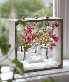 Sweet triptych of vases - Best Home Crafts - Vase ideen Creation Deco, Deco Floral, Wooden Decor, Wooden Box Crafts, Wood Projects, Craft Projects, Floral Arrangements, Flower Arrangement, Diy And Crafts