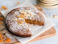Keto Breads: Your Guide to Baking Grain-Free Keto Bread Gluten Free Almond Cake, Almond Cakes, Keto Bread, Bread Baking, Most Nutrient Dense Foods, Chocolate Fundido, Rustic Plates, Breakfast Cake, Food Cakes
