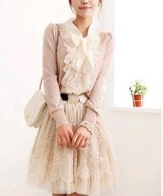 Layering #Lace #romantic #dreamy #pretty #pastel #feminine #chic #vintage #fashion #style