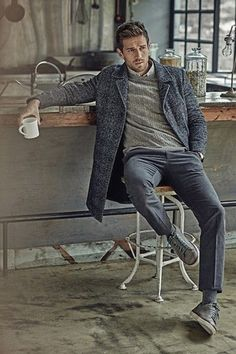 There's something special aboutgrey. And more during Winter and cold weather. You can achieve a perfect outfit only thinking in grey in all it's shades and wearing it all over, layer by layer. If ...