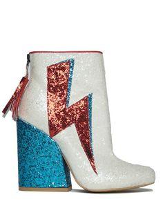 Ziggy Stardust in White   NYLON SHOP