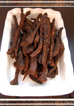 Oven Dried Peppered Beef Jerky Recipe 2 pounds beef cup tamari, or Coconut… Simple Beef Jerky Recipe, Peppered Beef Jerky Recipe, Best Beef Jerky, Homemade Beef Jerky, Deer Jerky Recipe In Oven, Black Pepper Jerky Recipe, Sugar Free Beef Jerky Recipe, Spicy Jerky Recipe, Oven Jerky