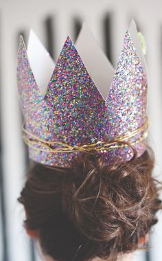 Glitter twist birthday crowns