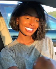 Bob Straight Lace Front Wig Unprocessed Human Virgin Hair, Natural Color,Can Be Dyed and Bleached, Can Be Shop Online Black Girls Hairstyles, Straight Hairstyles, Girl Hairstyles, Curly Hair Styles, Natural Hair Styles, Straight Lace Front Wigs, Corte Y Color, Black Is Beautiful, Beautiful Eyes
