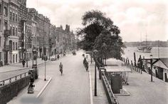 view of the Maaskade (c.1930)