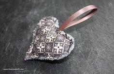 Porte clé coeur en tissu rembourré - n°22