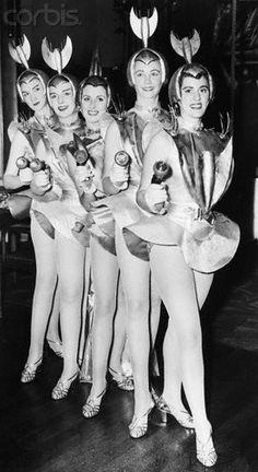 The ladies of the future.... (retro futurism)