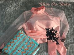 New Saree Blouse Designs, Choli Blouse Design, Blouse Designs High Neck, Choli Designs, Fancy Blouse Designs, Myanmar Dress Design, Stylish Blouse Design, Designer Blouse Patterns, Sarees