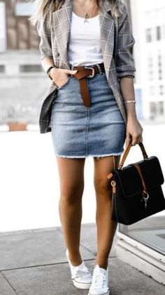 winter outfits formales 26 Cutest Streetsyle Winter Outfits With Skirt Stylish Winter Outfits, Winter Outfits Women, Casual Winter Outfits, Spring Outfits, Winter Outfits With Skirts, Jean Skirt Outfits, Mode Timberland, Mode Outfits, Fashion Outfits